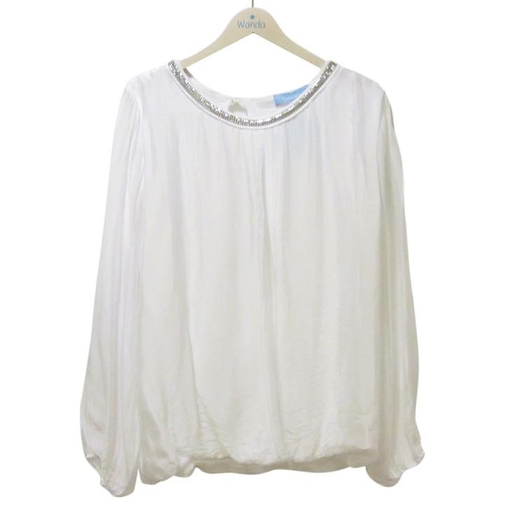 camisa blanca con cuello wanda